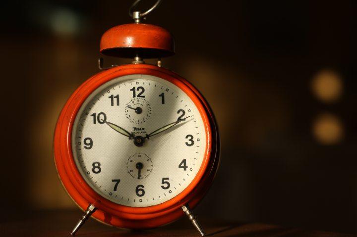 alarm-clock-analogue-antique-280345 (1)